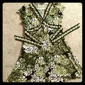 APT. 9  Cute Green Dress 💫👗